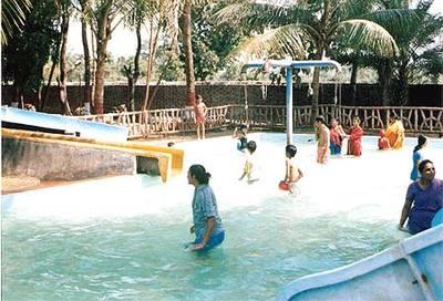 Getaways around mumbai picnic resorts near mumbai - Titwala farmhouse with swimming pool ...
