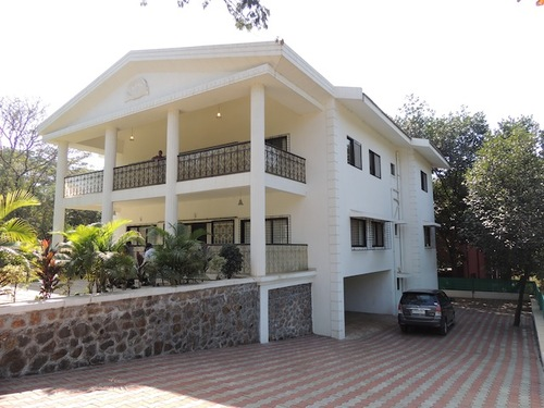 Royal palace bungalow khandala hotels resorts in lonawala mumbai for Resorts in khandala with swimming pool