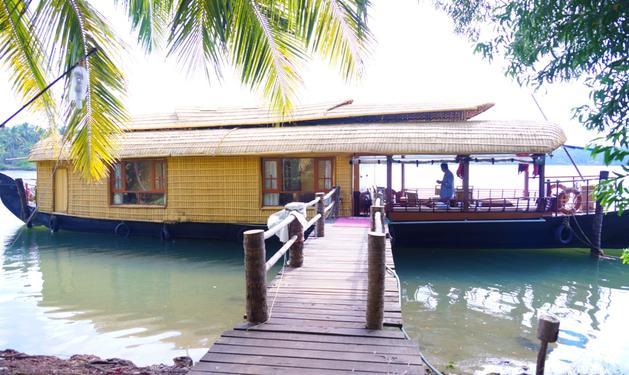 Bekal Fort Boat House Cheruvathur - Tour Operators In Kadapuram