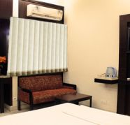 Looking for super deluxe AC rooms, Standard rooms in Delhi for sale  Vasant Vihar
